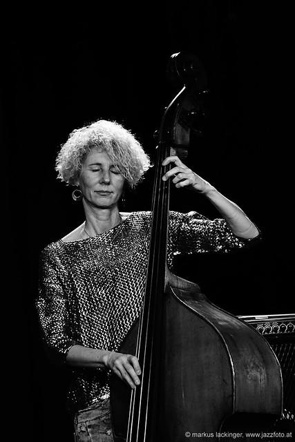 Gina Schwarz: bass, composition