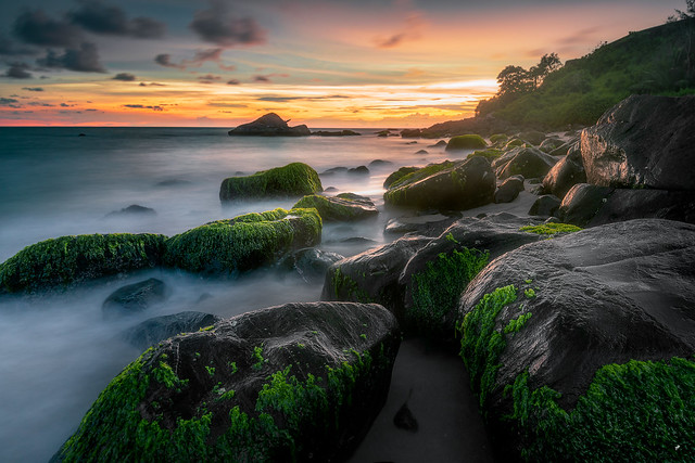 silhouette Rocks