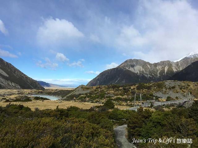從胡克山谷步道俯瞰庫克山莊以及隱士飯店