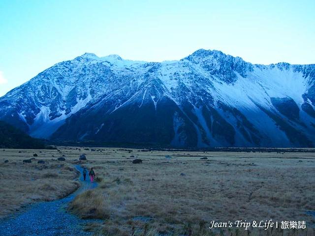 皚皚白雪的群山真的很美