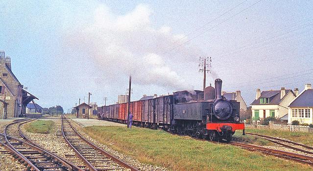 R2093.  4-6-0T E321 at Crozon-Morgat.