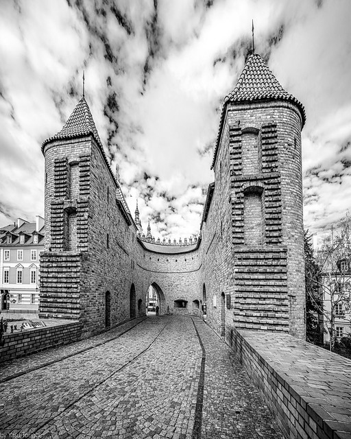 Inside the Barbican: The Fortyfikacje staromiejskie (fortification wall and gate) of the Old Town on the northern side on Nowomiejska (street), Warsaw, Poland. 847-Edit-2-Edit