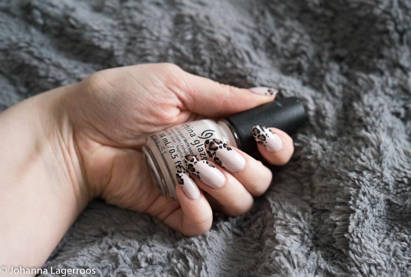 Chin Glaze nail polish