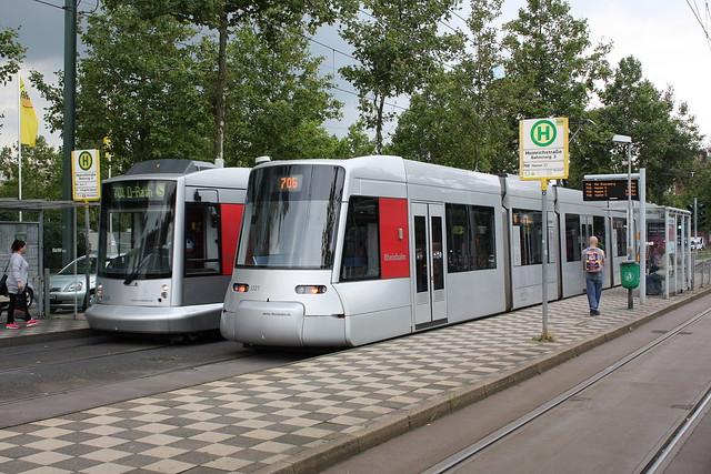 Rheinbahn: Haltestelle Heinrichstraße