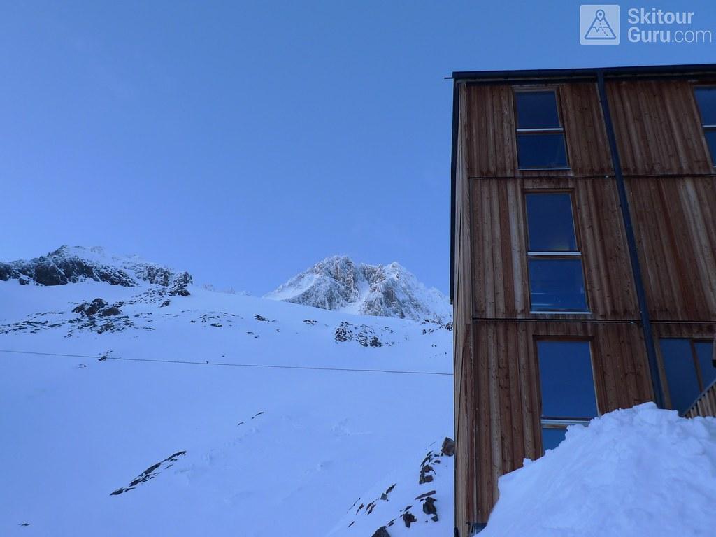 Finsteraarhornhütte Berner Alpen / Alpes bernoises Schweiz foto 03