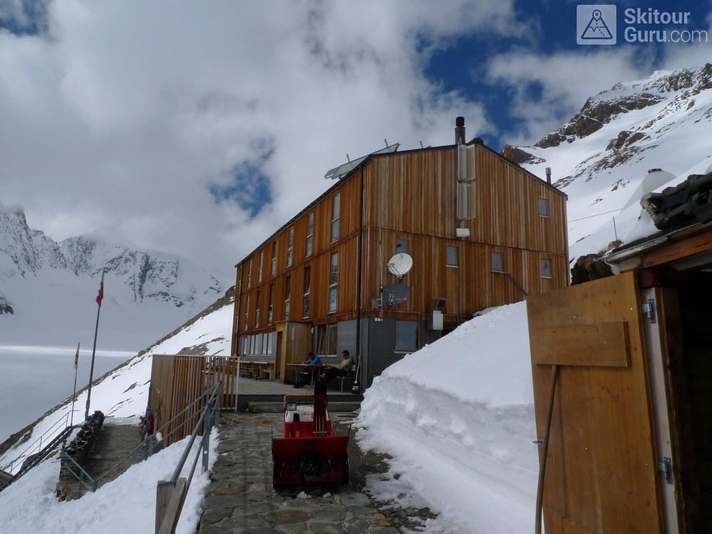 Finsteraarhornhütte Berner Alpen / Alpes bernoises Schweiz foto 02