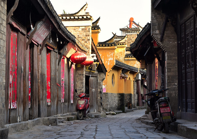 Old Chinese market alley