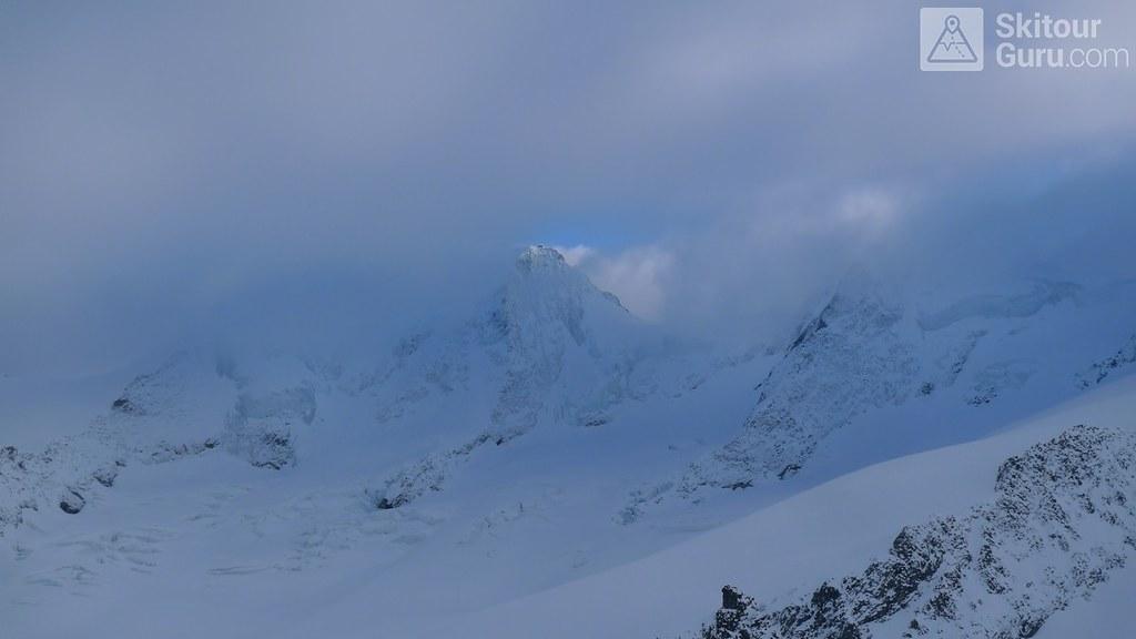 Finsteraarhornhütte Berner Alpen / Alpes bernoises Schweiz foto 04