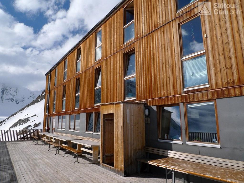Finsteraarhornhütte Berner Alpen / Alpes bernoises Schweiz foto 01