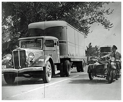 Strikers break windshield of scab truck.: 1938
