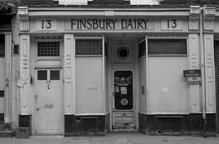 Finsbury Dairy, Sun St, Finsbury, Islington 86-7q-43_2400