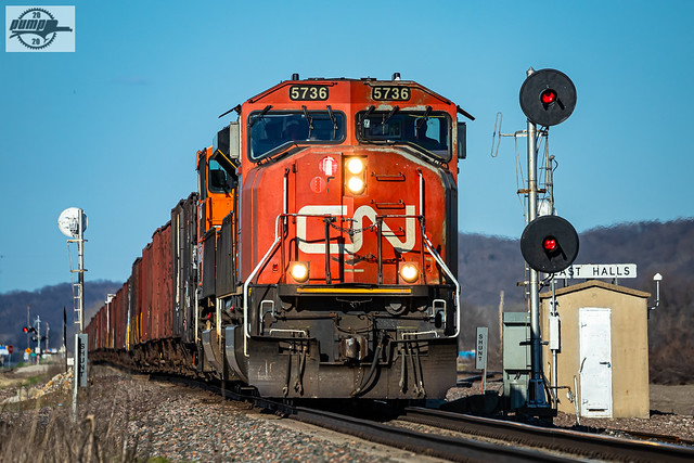 Eastbound BNSF Special Unit Train at Halls, MO