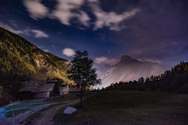 Nachthimmel über der Alp Chapy