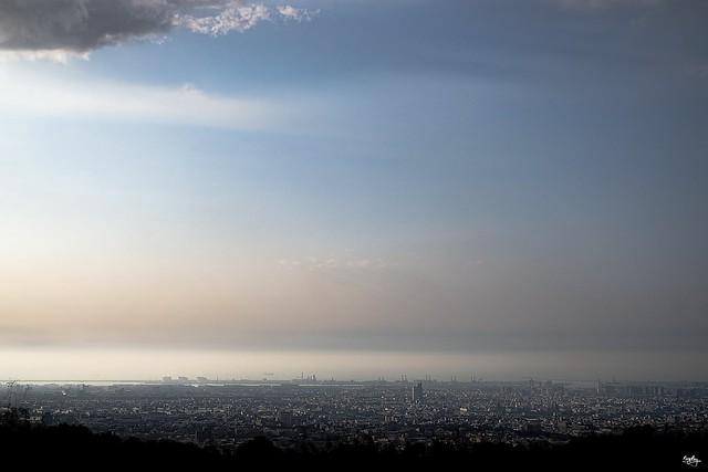 My city Fujifilm XT2+ XF 35mm f1.4 IG:https://www.instagram.com/photo_king_ray/