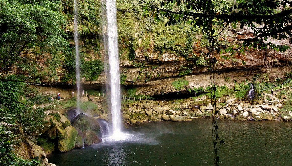 MEXICO, Chiapas , Wasserfall von Misol Ha, nahe Palenque , 19631/12530