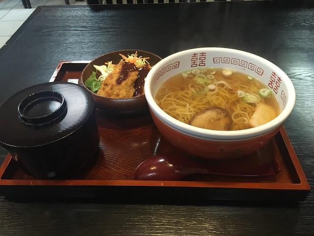 竪町 井筒屋のラーメン定食