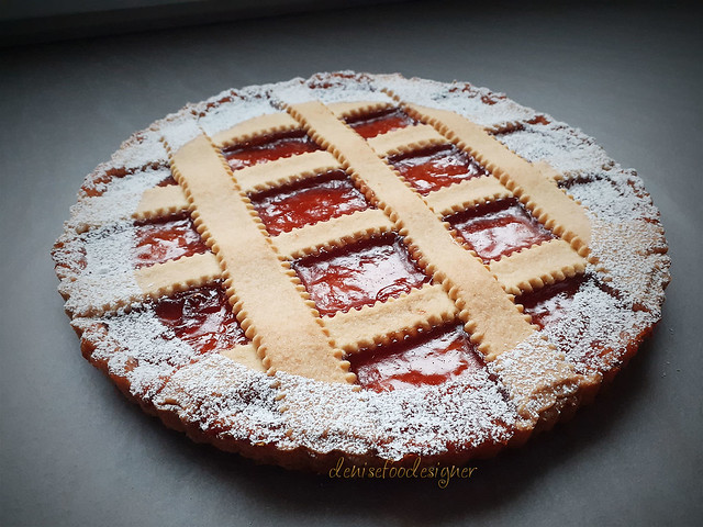 Crostata alla confettura di fragole  Strawberry jam pie