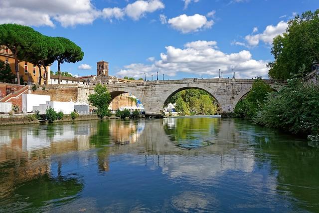 Roma / Ponte Cestio / Isola Tiberina