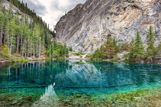 Hiking to Grassi Lakes