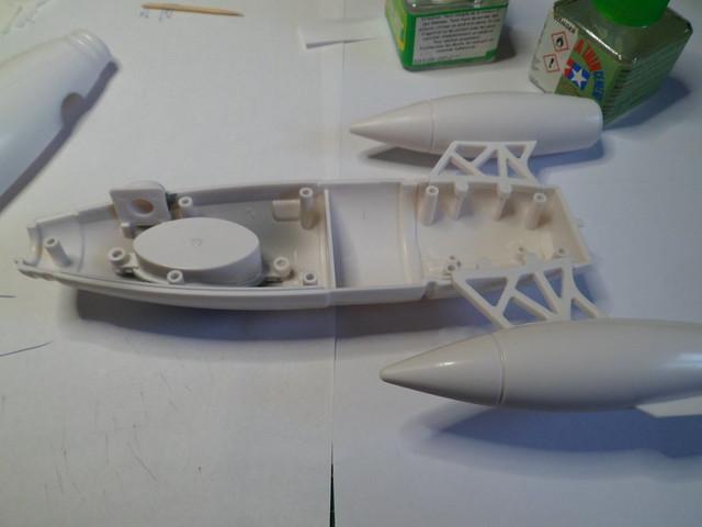 Pas-à-pas : Apollo 27 rocket [Pegasus 1/72] terminé en pg 4 et diorama à suivre 49717004116_f4984e4960_z