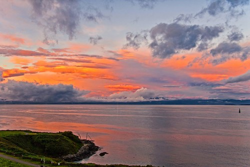 sunrise cloud clouds cloudy juandefuca salish salishsea pacific ocean olympicmountains hollandpoint jamesbay victoria britishcolumbia canada