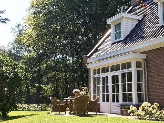Klassieke woning met erker en dakkapel