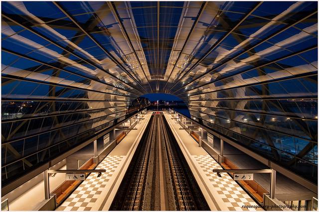 U Bahnstation Elbrücken zur Blauen Stunde