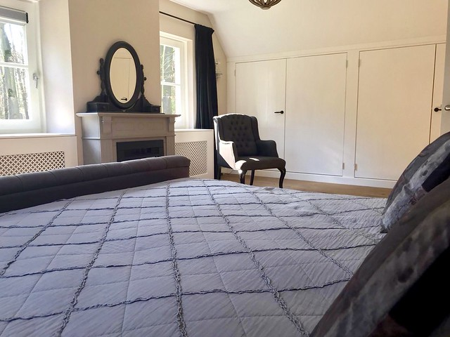 Franse spiegel schouw slaapkamer inbouwkasten