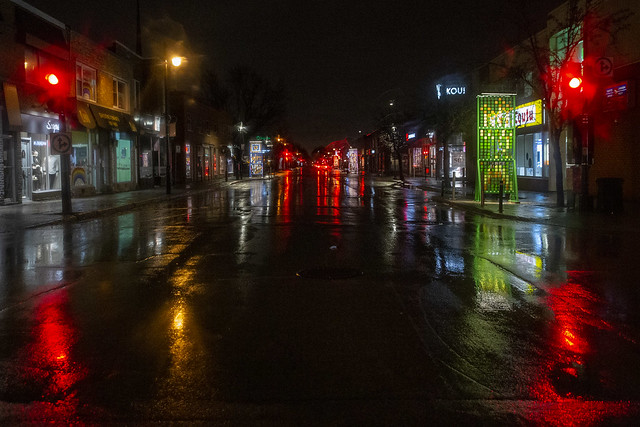 La rue déserte / Empty street