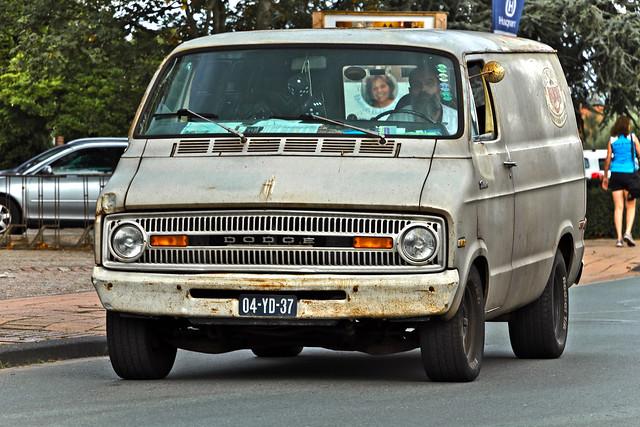 Dodge Tradesman 1973 (9377)