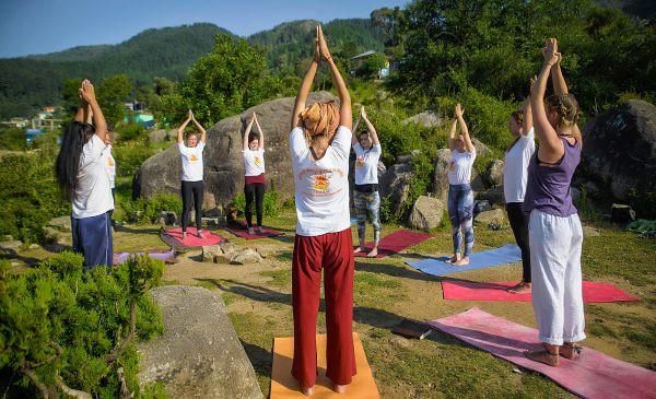 Hatha yoga sourya namaskar