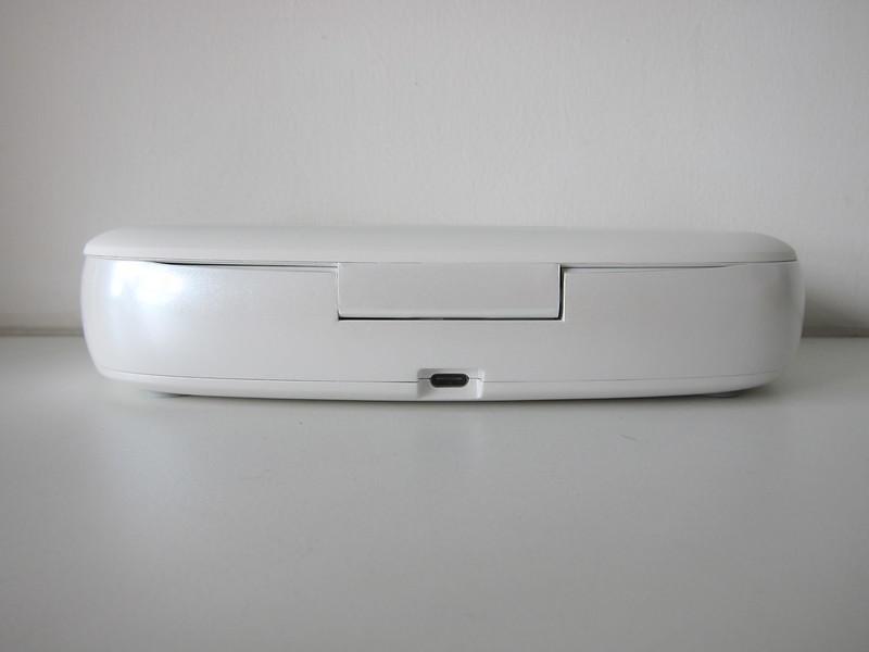Momax Q.Power UV-Box - Back - USB-C Port