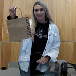 Bekah showing that Glassons support a sustainable options of paper bags #nzbagban