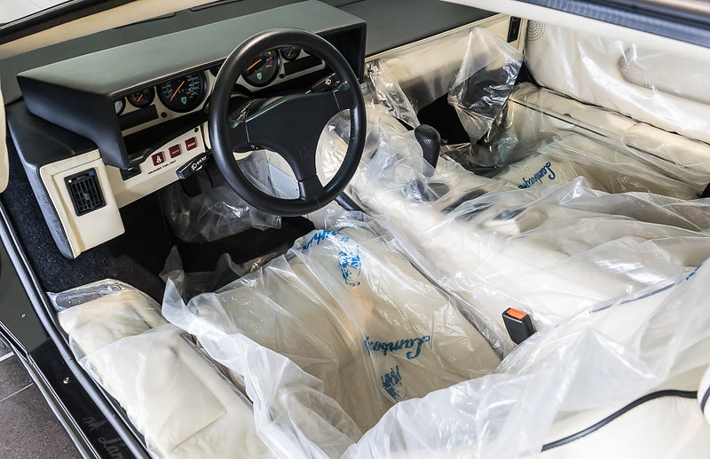 Lamborghini-Countach (8)