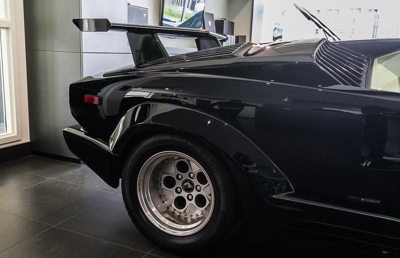 Lamborghini-Countach (4)