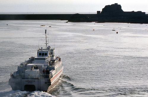 elizabethcastle sainthélier jersey channelisland europe europa unitedkingdom royaumeuni greatbritain nikonfg20 pixelistes bateau boat ship ferry