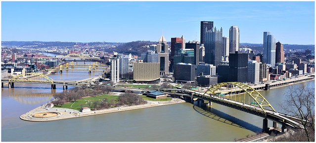 Pittsburgh's Skyline and Point State Park