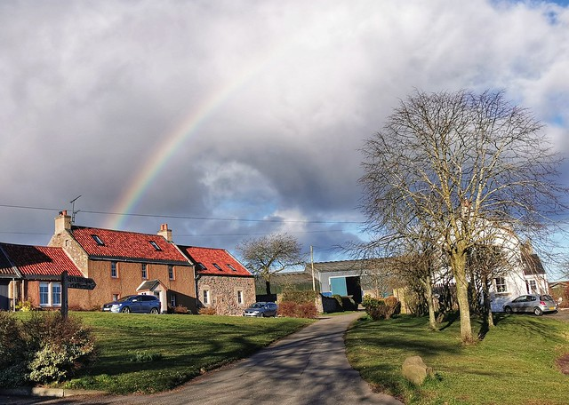 #staysafe #rainbow #hope #letham #cupar #Fife #scotland #visitscotland #visitfife #photography #lovefife #lovescotland #mobilephotography #igers #ig_countryside #ig_captures #uk #potd #mobilephotography #mjartphotography