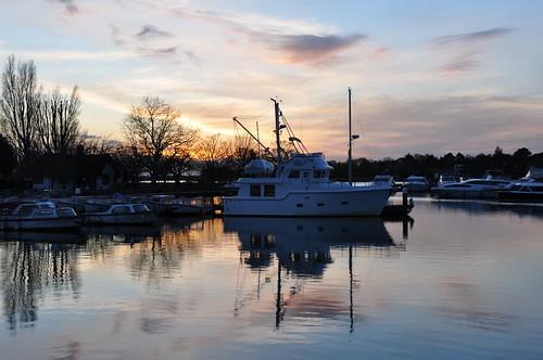 suffolk sunset sunsetlight reflection reflectionsinwater sky skies dusk oultonbroad broads