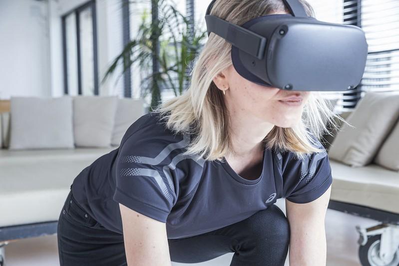 ASICS首度運用VR舉辦新品發表會。(圖/精鍊公關提供)