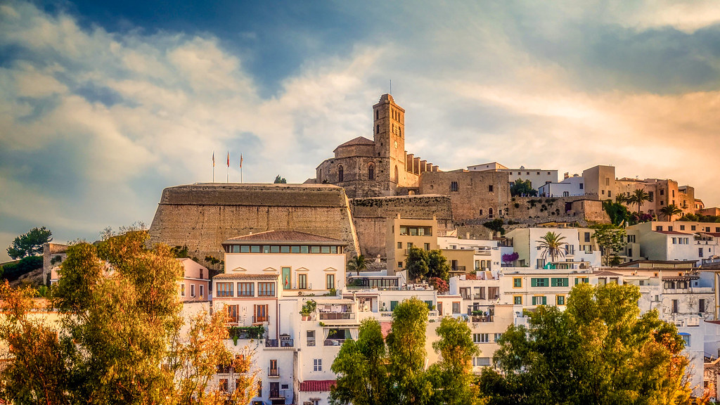 Ibiza Dalt Vila | Sunset behind the famous Dalt Vila, Ibiza,… | Frank Lammel | Flickr