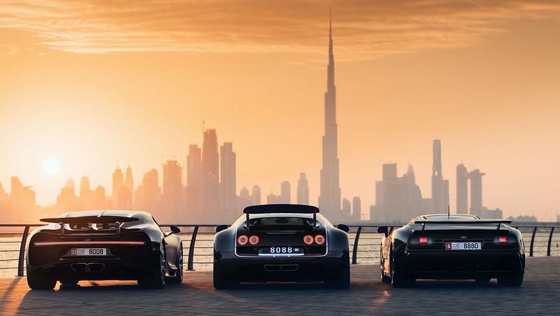 Bugatti-EB110-Veyron-Chiron (2)