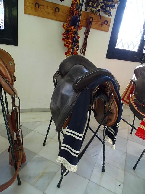 silla de montar caballo Real Escuela Andaluza del Arte Ecuestre Jerez de la Frontera Cadiz 03