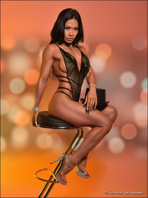Strength and Beauty in Burlesque