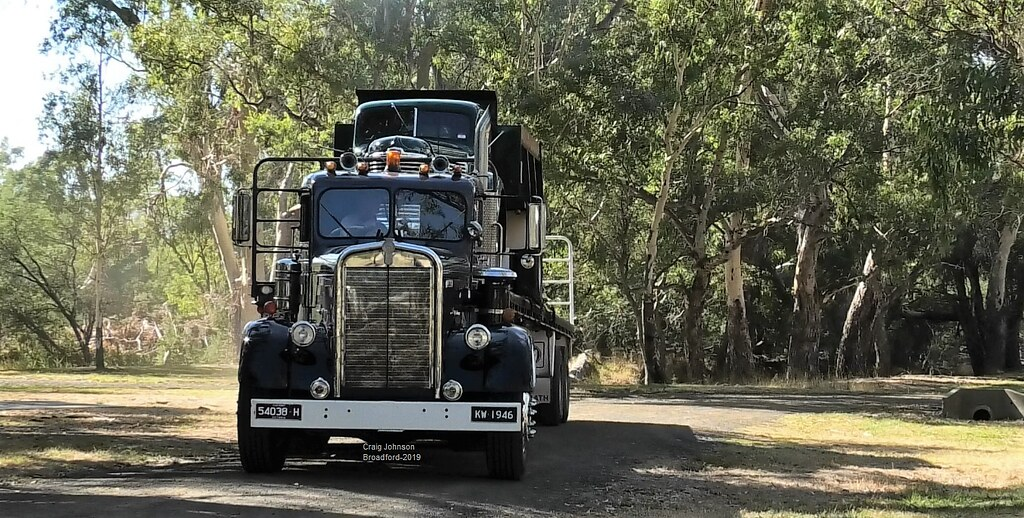 Mr-Watson 1946 Kenworth at Broadford