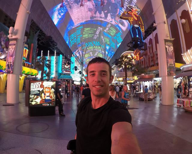 Freemont Street Experience en Las Vegas uno de los lugares imprescindibles que visitar