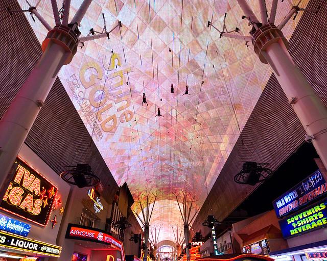Freemont Experience tirolina en Las Vegas