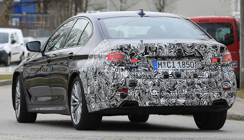 2021-bmw-5-series-facelift-spy-photo (5)