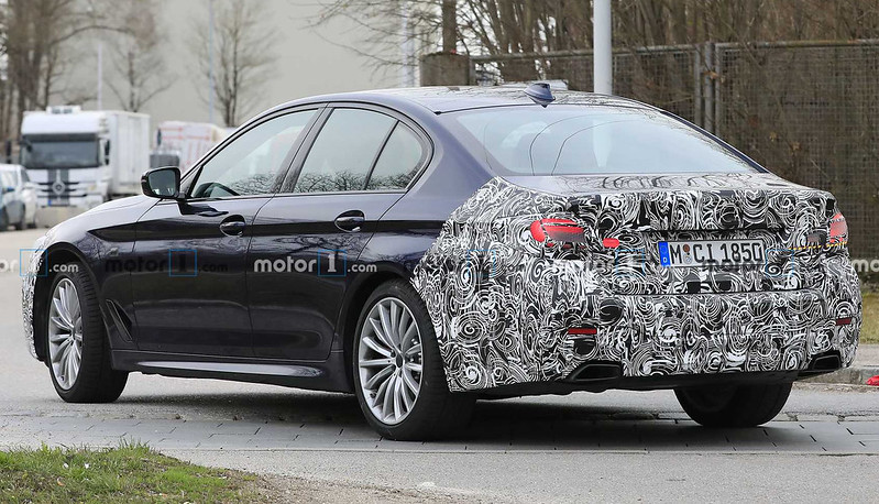 2021-bmw-5-series-facelift-spy-photo (4)