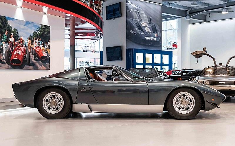 Lamborghini-Miura-SV-3